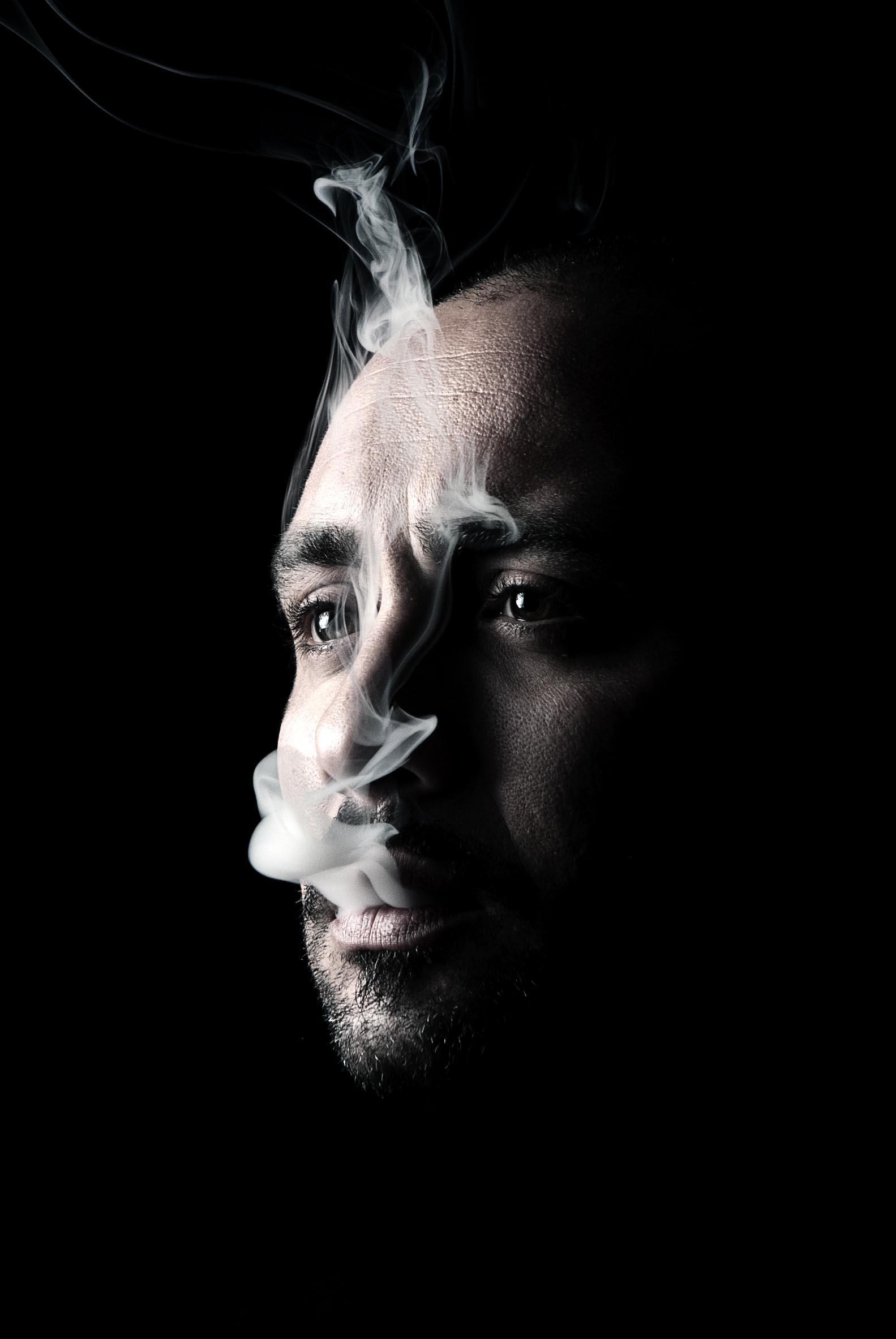"""Oltre la retorica della malattia mentale. """"Dettagli inutili"""" di Alberto Fragomeni"""