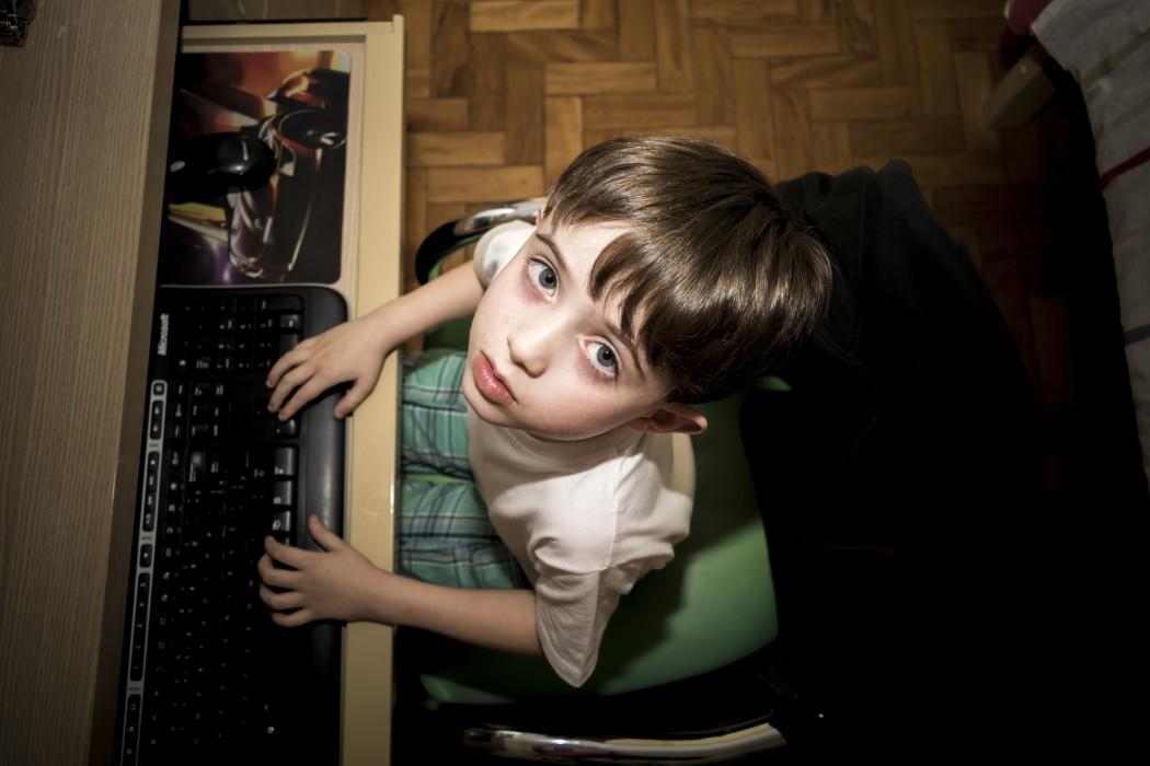 BAMBINI E TECNOLOGIA: IL CAMBIAMENTO INIZIA DAGLI ADULTI